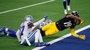 Steelers' JuJu Smith-Schuster attempts to pull off infamous Terrell Owens celebration, Cowboys stop it