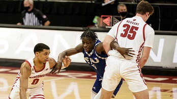 Reuvers leads No. 7 Wisconsin past Eastern Illinois, 77-67
