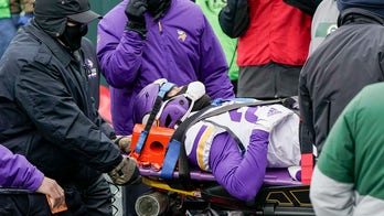 Vikings' Cameron Dantzler stretchered off field after suffering apparent neck injury