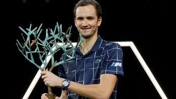 Medvedev beats Zverev to win his 1st Paris Masters final