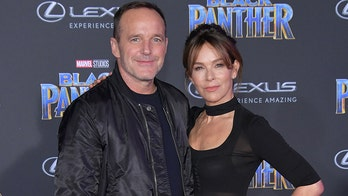 Jennifer Grey will keep 'Dirty Dancing' earnings in divorce settlement with Clark Gregg