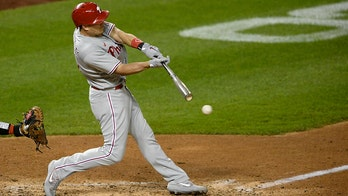 Phillies catcher J.T. Realmuto has fracture in right thumb