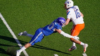Fill-in Sears helps No. 25 Boise State beat Air Force 49-30