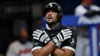 Jose Abreu, Freddie Freeman win baseball's MVP awards