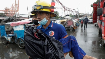 Super typhoon batters Philippines, 1 million in shelters