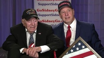101-year-old WWII veteran Sidney Walton honored as 'Unsung Hero' at Fox Nation Patriot Awards