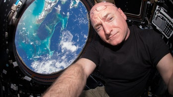 Former NASA astronaut Scott Kelly urges Americans 'to build again together'