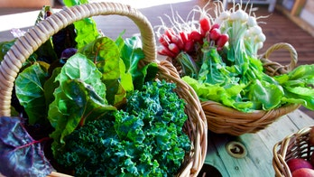Anti-inflammatory diets including leafy greens, red wine linked to better heart health: study