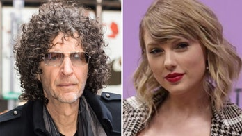 Howard Stern applauds Taylor Swift for voicing her political beliefs: 'That's standing up for your country'