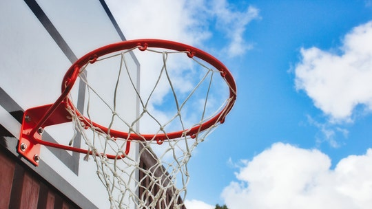 FedEx driver gives new basketball hoop to Indiana boy in act of kindness