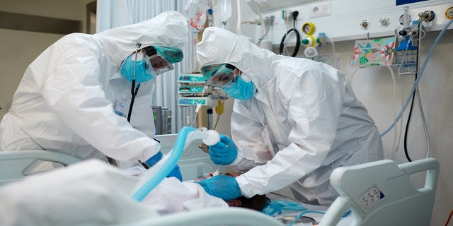 The COVID-19 surge is stretching oxygen supplies and sending hospitals scrambling for more ventilators, even as there are signs of hope that the spread of the virus is slowing down in pockets of the U.S. (iStock)