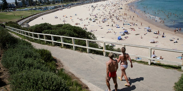 SYDNEY, AUSTRALIA - NOVEMBER 28: A general view as people gather at Bondi beach on November 28, 2020 in Sydney, Australia. The Bureau of Meteorology has forecast heatwave conditions in NSW this weekend, with temperatures expected to exceed 40 degrees across the state. (Photo by Brook Mitchell/Getty Images)