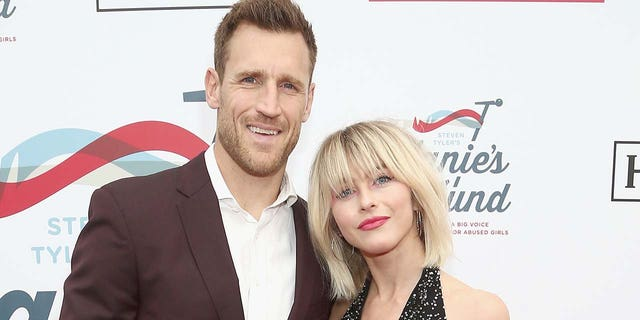 Brooks Laich and Julianne Hough married in 2017. (盖蒂图片社)
