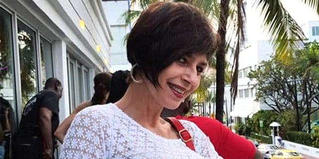 Actress Broselianda Hernandez has been found dead along the shoreline of Miami Beach, authorities said on Thursday. 경찰에 따르면, there were no apparent signs of foul play. The medical examiner's office has not yet determined the cause of death.