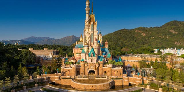 The Castle of Magical Dreams was built upon the architecture of Sleeping Beauty's Castle at Hong Kong Disneyland Resort (Disney)