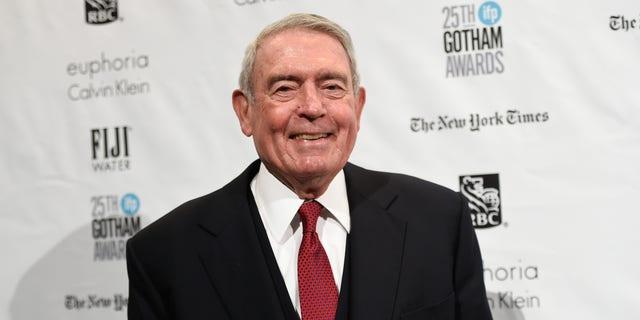 دن راتر ، که در سال 1986 تأخیرهای ناسا را به عنوان میزبان اخبار CBS انتقاد کرد ، در تاریخ 30 نوامبر 2015 در نیویورک مشاهده شد (آسوشیتدپرس).