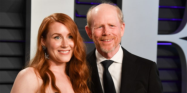 Paige Howard and Ron Howard attend the 2019 Vanity Fair Oscar Party hosted by Radhika Jones at Wallis Annenberg Center for the Performing Arts on February 24, 2019, in Beverly Hills, Kalifornië.