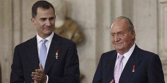 Nel 2014, Juan Carlos abdicated the throne in favor of his son Felipe, 52.