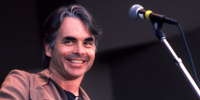 Hal Ketchum, pictured here in 1992, was diagnosed with Alzheimer's. His wife revealed his diagnosis in April 2019. (Photo by Paul Natkin/Getty Images)