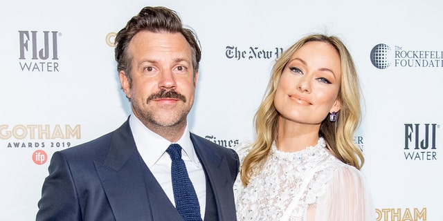 Jason Sudeikis (left) and Olivia Wilde (right) have ended their 7-year contract.  (Photo from Roy Rochlin/WireImage)