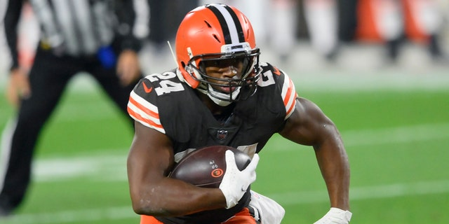 Browns star running back Nick Chubb has been designated to return from injured reserve after missing four games with a sprained knee. Chubb got hurt in Cleveland's Oct. 4 win at Dallas. (AP Photo/David Richard, File)