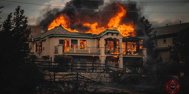Reno wildfire destroys multiple homes; hundreds evacuated as Gov. Sisolak declares state of emergency - RENO FIRE3