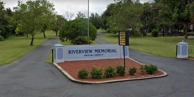Riverview Memorial Cemetery (Google Street View)