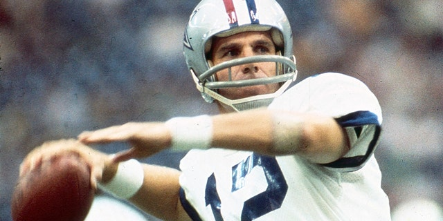 Roger Staubach, Dallas Cowboys gameplay. (沃尔特迪斯尼电视台通过Getty Images摄影)