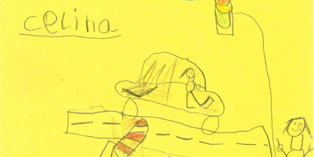 On Saturday, six-year-old Serena drew a sketch of the woman who wanted to destroy a blockade post for the police during a car crash in Hamm, Germany.