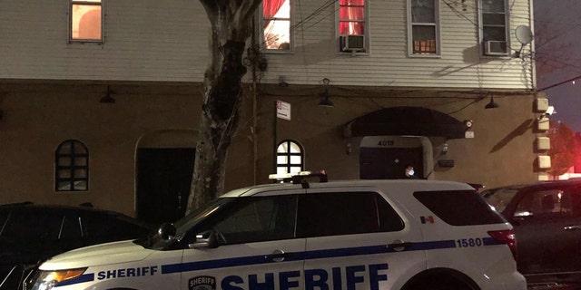Un sex club per scambisti nel Queens è stato arrestato dalla polizia. (Dipartimento dello sceriffo di New York)