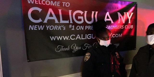 Un sex club per scambisti a Manhattan è stato arrestato dalla polizia. (Dipartimento dello sceriffo di New York)