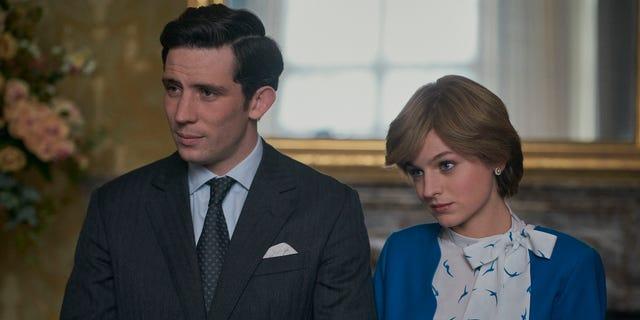 찰스 왕자 (Josh O'Connor) and Princess Diana (Emma Corrin)