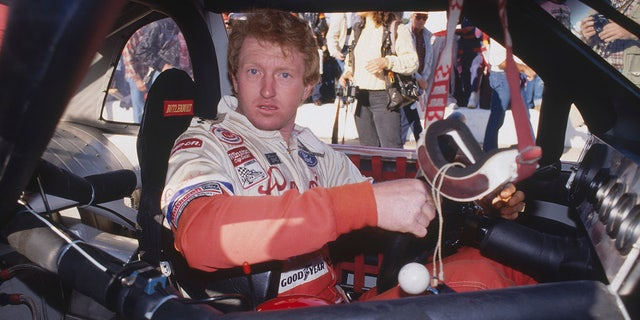Elliott needed an 18th place finish at Atlanta to win the 1988 title.