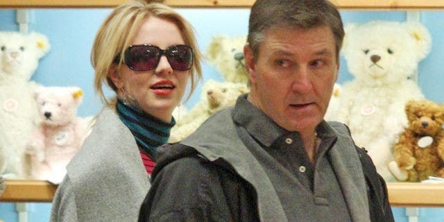 Britney Spears shopping with her father, Jamie Spears, in 2008. Jamie Spears recently was accused of physically abusing her eldest son, Sean Preston Federline. (Getty, File)