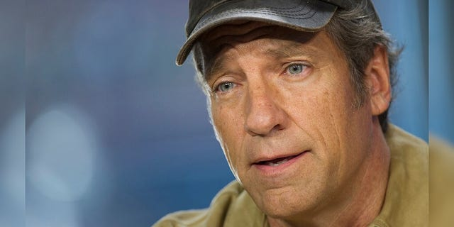 Mike Rowe van 'Dirty Jobs' -faam verfilm sedertdien 'Returning the Favor' 2017.