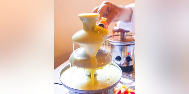 Tasty Hoon's cheese fondue fountain attempt ended in hilarious tragedy.