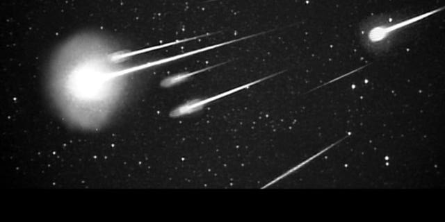A burst of 1999 Leonid meteors as seen at 38,000 feet from Leonid Multi Instrument Aircraft Campaign (Leonid MAC) with 50 mm camera. (Credit: NASA/Ames Research Center/ISAS/Shinsuke Abe and Hajime Yano)