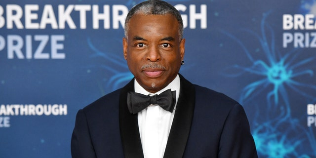 'Jeopardy!' fans petition for 'Reading Rainbow' host Levar Burton to replace Alex Trebek after his death