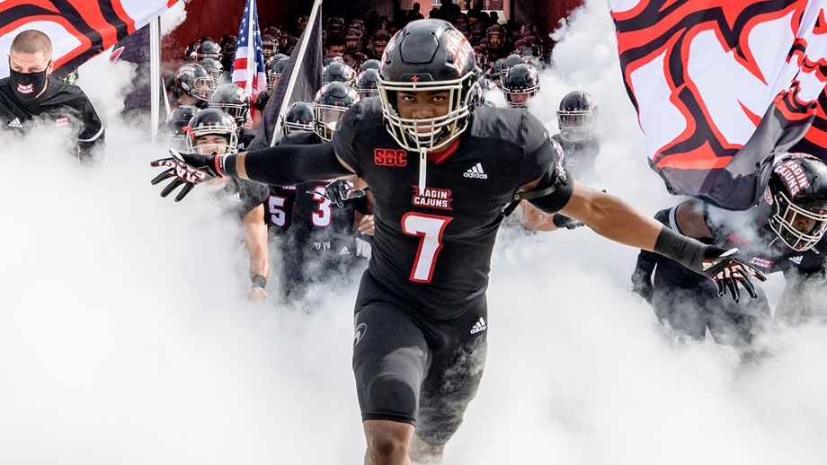 Ragin Cajuns start off the week in college football as teams vie for position with a few weeks left
