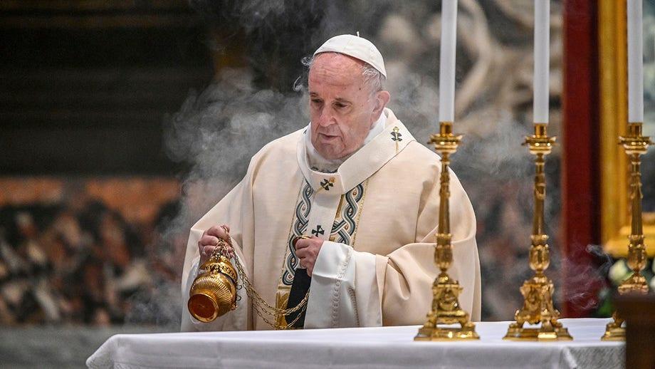 Pope Francis defends George Floyd protests, blasts demonstrations against coronavirus lockdowns in book