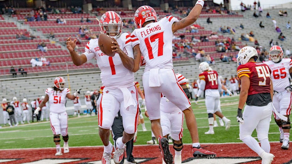 Lewis accounts for 5 TDS, Geen. 23 ULL beats ULM 70-20