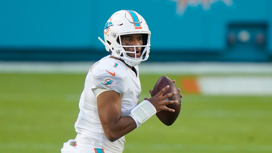 Big plays help Dolphins beat Rams 28-17 in Tua's 1st start