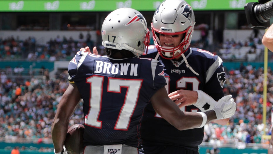 Buccaneers' Antonio Brown on relationship with Tom Brady: 'He's been a great guy in my corner'
