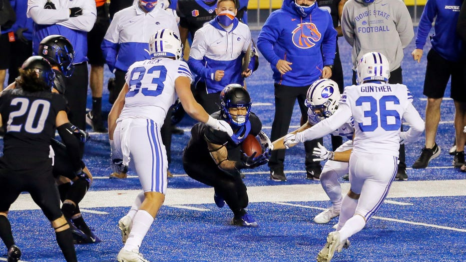 BYU players join Boise State at midfield for team prayer: 'We're not going to turn that down'