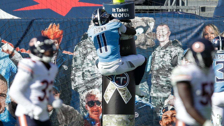 Titans snap 2-game losing streak, beat skidding Bears 24-17