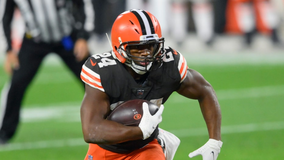 Browns' Nick Chubb drives bettors, fantasy football players wild in game vs. Texans