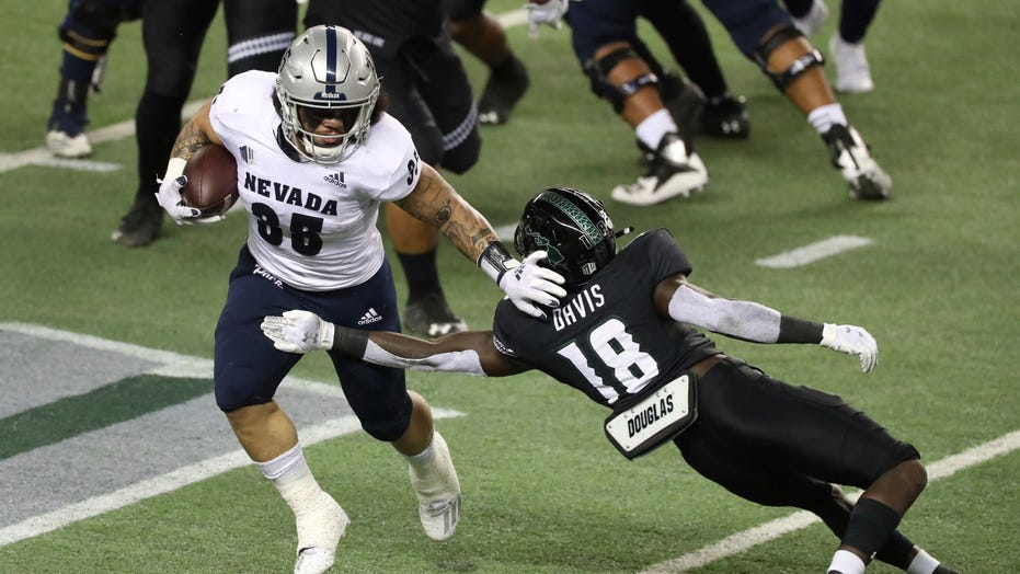 Cordeiro accounts for 2 TDs, Hawaii beat Nevada 24-21