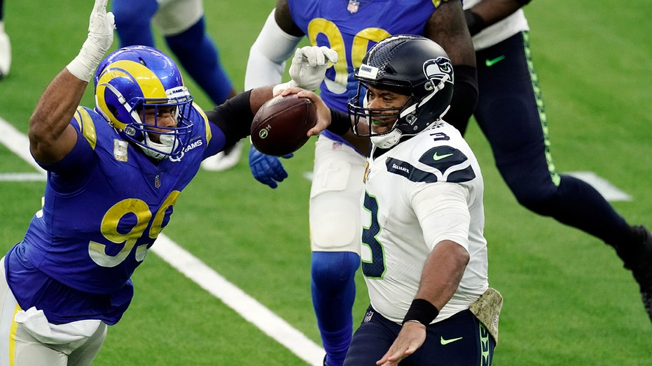 Rams' Aaron Donald believes referees are missing 'blatant' holding calls this year