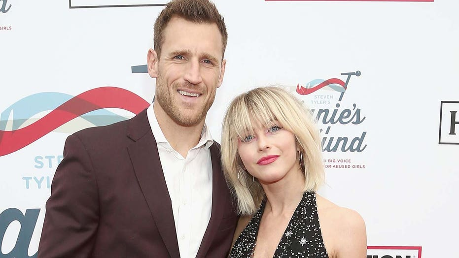 Brooks Laich says he cries 'all the time' amid Julianne Hough split