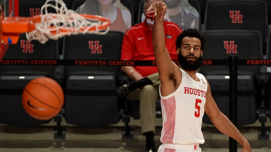 Sasser, Mark lead No. 17 Houston to 89-45 win over Lamar